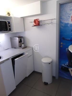 Predaj nebytového – kancelárskeho priestoru na Rusovskej ceste – Petržalka