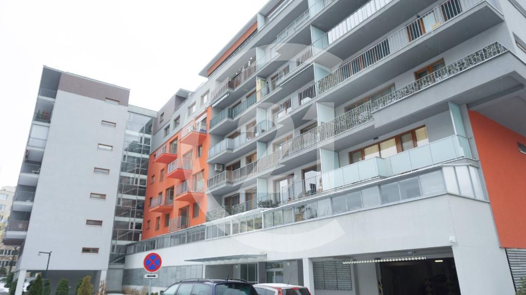 4i byt v novostavbe s výhľadom do parku 7c5945f4034