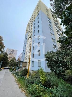 V prestížnej lokalite KUZMÁNYHO na predaj –  3izbový byt 71m2/nezariadený