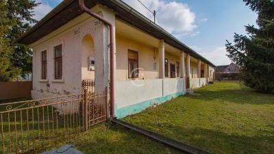 Rodinný dom za cenu pozemku v centre obce Košické Olšany, len 5 km od Košíc